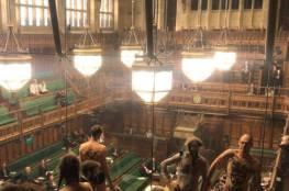 """""""احتجاجات عارية"""" في قلب البرلمان البريطاني"""