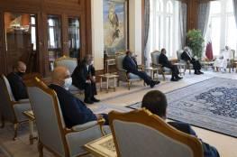 وفد من حماس يلتقي أمير قطر ويهنئه بالمصالحة الخليجية