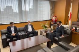الرجوب يطلع وزير الإصلاح الإداري الياباني على آخر المستجدات السياسية