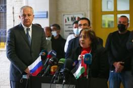 """شاهد: الصحة تتسلم 10 آلاف جرعة من لقاح """"سبوتنيك v"""" الروسي"""