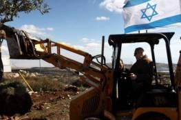 الاحتلال يقتحم قرية إكسا شمال غرب مدينة القدس ويشرع بأعمال تجريف