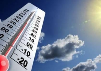 الطقس: غائمًا جزئيًا وتبقى الحرارة أعلى من معدلها