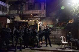 الاحتلال يعتدي على عدد من المواطنين في الشيخ جراح وسلوان ويعتقل شابا