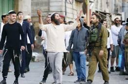 مستوطنون يمنعون عائلة فلسطينية من الوصول لمنزلها في تل الرميدة وسط الخليل
