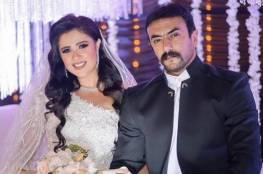 ما حقيقة انفصال أحمد العوضي عن ياسمين عبدالعزيز؟