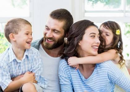 7 عبارات لا تقوليها لزوجك أمام طفلك