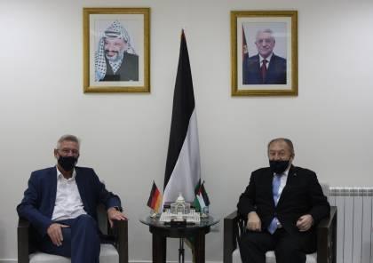 العسيلي والسفير الألماني يبحثان سبل تحسين الاقتصاد الفلسطيني