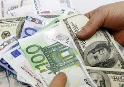 """صحيفة: الاتحاد الأوروبي يخطط لكسر """"هيمنة الدولار"""""""