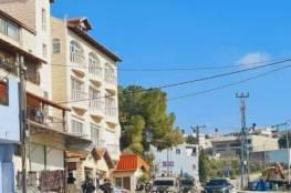 قوات الاحتلال تنفذ اجراءات عسكرية في اكثر من موقع