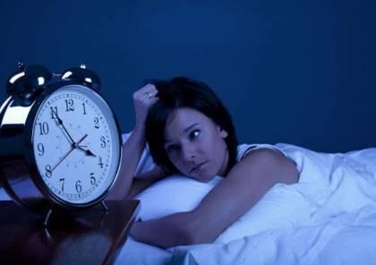 لماذا لا نعجز عن النوم في أسرّة الغرباء؟