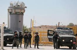 """نادي الأسير: الاحتلال أعاد 9 أسرى إلى """"عوفر"""" دون أخذ عينات منهم"""