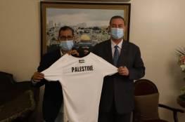 السفير دياب اللوح يستقبل المنتخب الفدائي الأوليمبي الفلسطيني