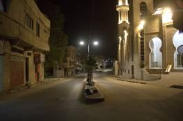 شاهد: صور ليلية من استمرار حظر التجوال الشامل في قطاع غزة مساء الجمعة