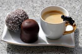 القهوة والشوكولاتة تعززان الذكاء.. كيف؟
