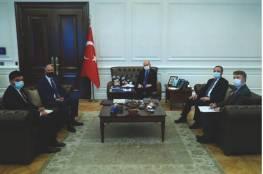 مصطفى يبحث مع مسؤول تركي العلاقات الثنائية بين البلدين