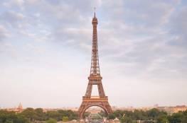"""فرنسا تحذر زوار برج """"إيفيل"""" من أمر غريب!"""