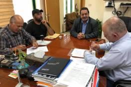 الإغاثة الزراعية توقع اتفاقية لشق طرق زراعية في نابلس