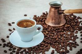 علماء: القهوة لا تشرب في الصباح
