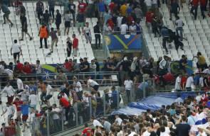 اشتباكات بين المشجعين الروس والإنكليز في يورو 2016
