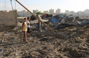 آثار الدمار بعد القصف علي غزة