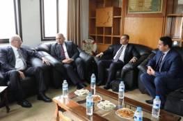 وزير النقل والمواصلات يجتمع مع الوفد المصري بغزة