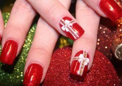 الأحمر البوردو يزين الأظافر هذا الشتاء