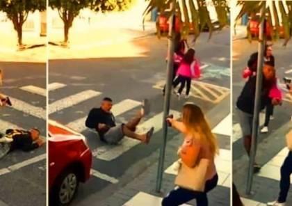 فيديو.. امرأة تقتل لص حاول السطو عليها بمسدس!