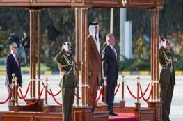أمير قطر يوجه بتوفير 10 آلاف فرصة عمل جديدة للأردنيين