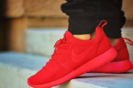 اللون الاحمر موضة الأحذية