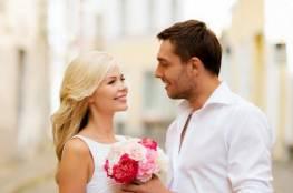 5 أفعال تعشقك الزوجة بسببها..لا تتردد