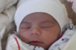 الأردن: وفاة رضعية نامت عليها والدتها بالخطأ