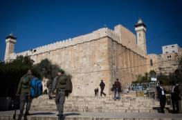 الاحتلال يغلق وسط الخليل بوجه الفلسطينيين لتسهيل مرور المستوطنين