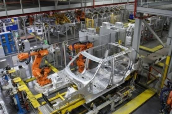 """الإنسان الآلي """"يهدد"""" العمالة الأفريقية"""