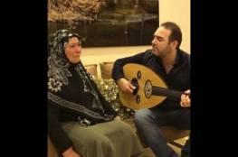 شاهد: الفنان وائل جسار يبكي والدته في فيديو مؤثر