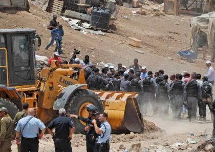 محكمة الاحتلال العليا تجمد قرار هدم وترحيل الخان الأحمر حتى 15 آب