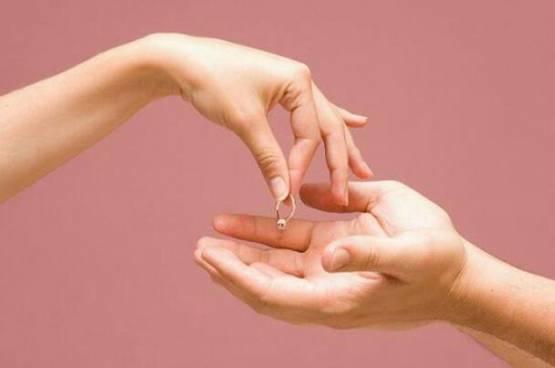 6 مؤشرات تدل على أن علاقتك بزوجك وصلت إلى نهايتها