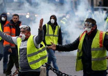 شاهد مباشر ..مواجهات عنيفة وسط باريس بين الشرطة والمتظاهرين