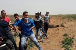 الاحتلال يطلق نيران اسلحته على عدة أهداف وسط وجنوب القطاع
