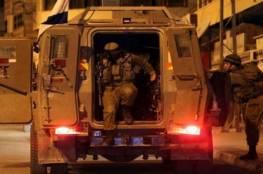بالأسماء: اعتقال 15 مواطنا من مدن الضفة