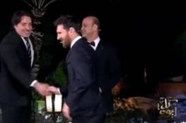 ميسي يحرج عمرو أديب ويرفض تلبية طلبه (فيديو)