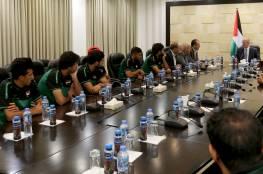 الحمد الله يستقبل المنتخب العراقي لكرة القدم ويرحب بزيارته