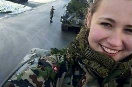 شاهد: صور سيلفي مثيرة تسببت بأزمة لحسناوات جيش سويسرا