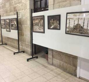فنان-فلسطيني-يتحدث-عن-معاناة-شعبه-بالرسم-بالقهوة