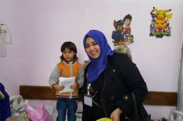 """مبادرة """"اسعد محتاج"""" توزع ملابس شتوية وهدايا على اطفال مرضى السرطان بغزة"""
