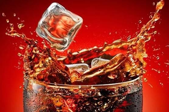 دراسة: تناول المشروبات المحتوية على سكر الفركتوز تعرضك لأمراض الكبد