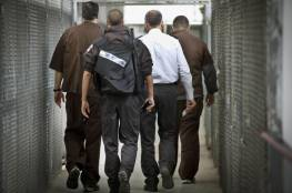 """نقل 40 أسيرًا مضربًا من سجن """"أوهليكدار"""" إلى المستشفيات الاسرائيلية"""