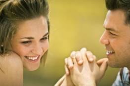 ما الذي يثير الرجل بالمرأة؟