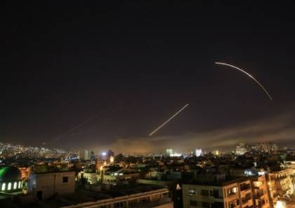 فيديو.. الدفاعات السورية تسقط فجرا صواريخ استهدفت مطاري الشعيرات والضمير