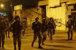 اعتقالات بالضفة ومصادرة سلاح في يطا