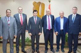 الرجوب يبحث سبل تعزيز التعاون مع وزارة الشباب والرياضة واتحاد الكرة المصريين